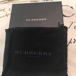 Burberry gift box and bag